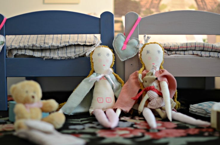 dolls and beds by minina loves