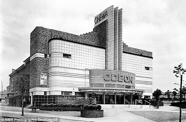 1935 : The art deco Odeon at Kingstanding, Birmingham, looked like the bridge of a futuristic, ocean-going liner. Sadly today it's a bingo hall.