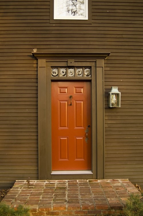 17 best images about house roof colors on pinterest for Front doors for colonial homes