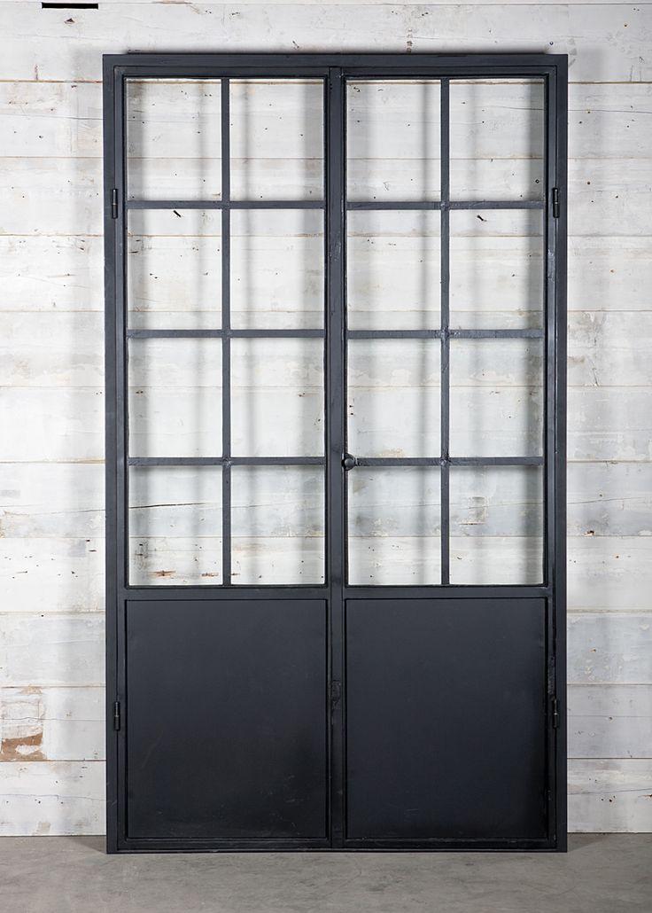 Industrial steel doors, 1900 (@ Jan van IJken Oude Bouwmaterialen BV)