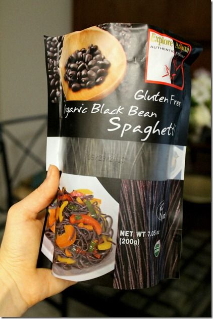Gluten-Free Black Bean Noodles. #win #fitfluential food via @IttyBitsBalance