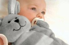 We are loving Sleepytot's award winning baby comforters. They have little velcro paws which can hold onto dummies, soothers or teethers.