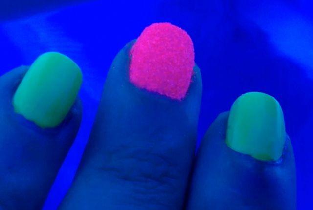CIATÉ Corrupted Neon Manicure