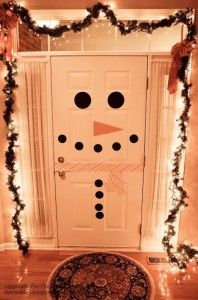 snowman door - super easy and cute to decorate the house for the holidays!