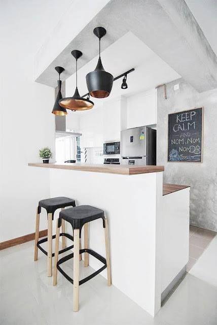 Una cocina pequeña y especial, justo lo que necesitas   #taburetes #cocinasconencanto #diseñodecocinas