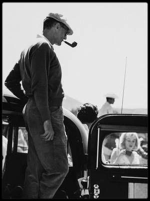 """QUAND MILLER PARLE DE MARILYN / TRES INTERESSANT ! Émission """"Apostrophes"""" enregistrée le 15 avril 1988, avec Arthur MILLER. À l'occasion de la sortie de l'autobiographie d'Arthur MILLER, parue chez GRASSET sous Le Titre """"Au fil du temps"""", Bernard PIVOT a réuni sur le plateau """"d'Apostrophes"""", autour de l'écrivain américain, Philippe LABRO, en tant que spécialiste et/ou amoureux de l'Amérique, et François PERIER, qui interprète actuellement au théâtre """"Mort d'un commis voyageur"""" de MILLER…"""
