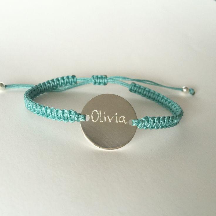 Engraved silver and macrame bracelet.