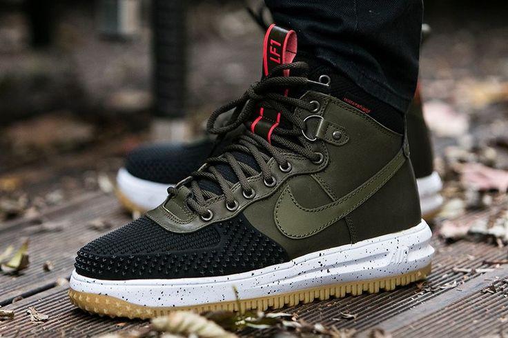 """Tyvärr är skorna för stora för mig.. Dom är i storlek 12.5/47 Pris = Kom med bud Kostar 1800kr och är bara testade här hemma.  Unboxing : Nike Lunar Force 1 Duckboot """"Dark Loden"""" (8058…"""