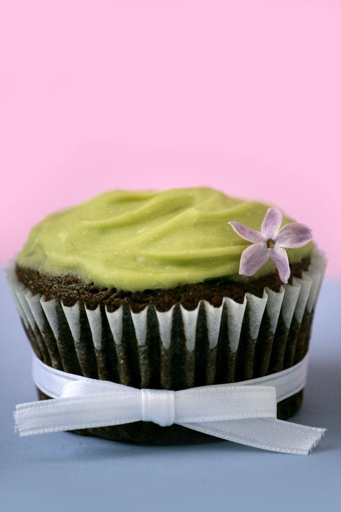 Vegan chocolate avocado cupcake | Vegan | Pinterest