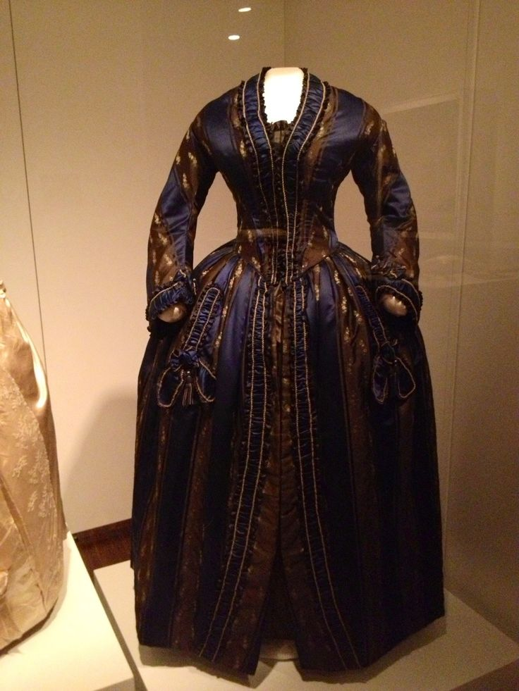 """1840s dress owned by Sarah Childress Polk while First Lady, """" Sarah Polk, First Lady of Style"""" exhibition, James K. Polk Ancestral Home, Columbia, TN"""