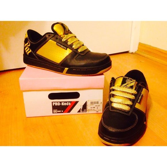 Black and Gold ProKeds /RocaWear Shoes These black and gold shoes are defiantly fun! I mostly wore them on game day (▪️Go Steelers▪️!). There is some wear on the inside logo but other then that they look brand new! Comes with box  ProKeds / RocaWear Shoes