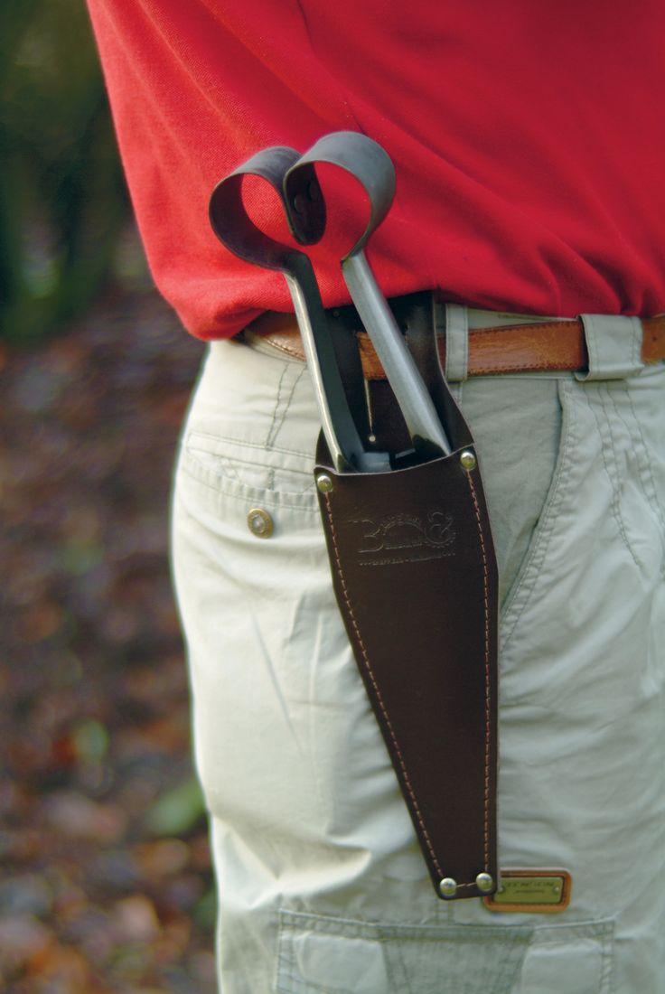 Leren etui ter bescherming van de scherpe messen en punten, en voor uw eigen veiligheid.