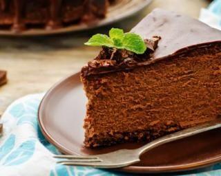 Cheesecake allégé en calories au Kinder Bueno® : http://www.fourchette-et-bikini.fr/recettes/recettes-minceur/cheesecake-allege-en-calories-au-kinder-buenor.html