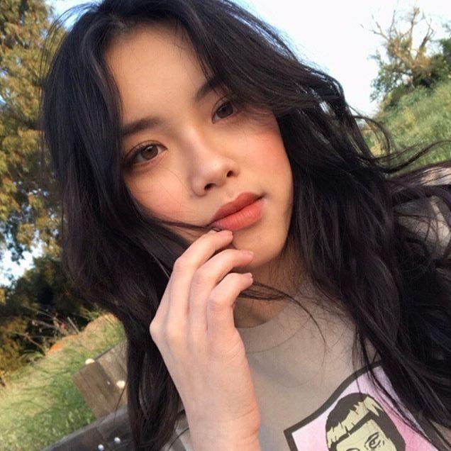 Damn! This Korean girl jeonghyeyuuul is so beautiful and