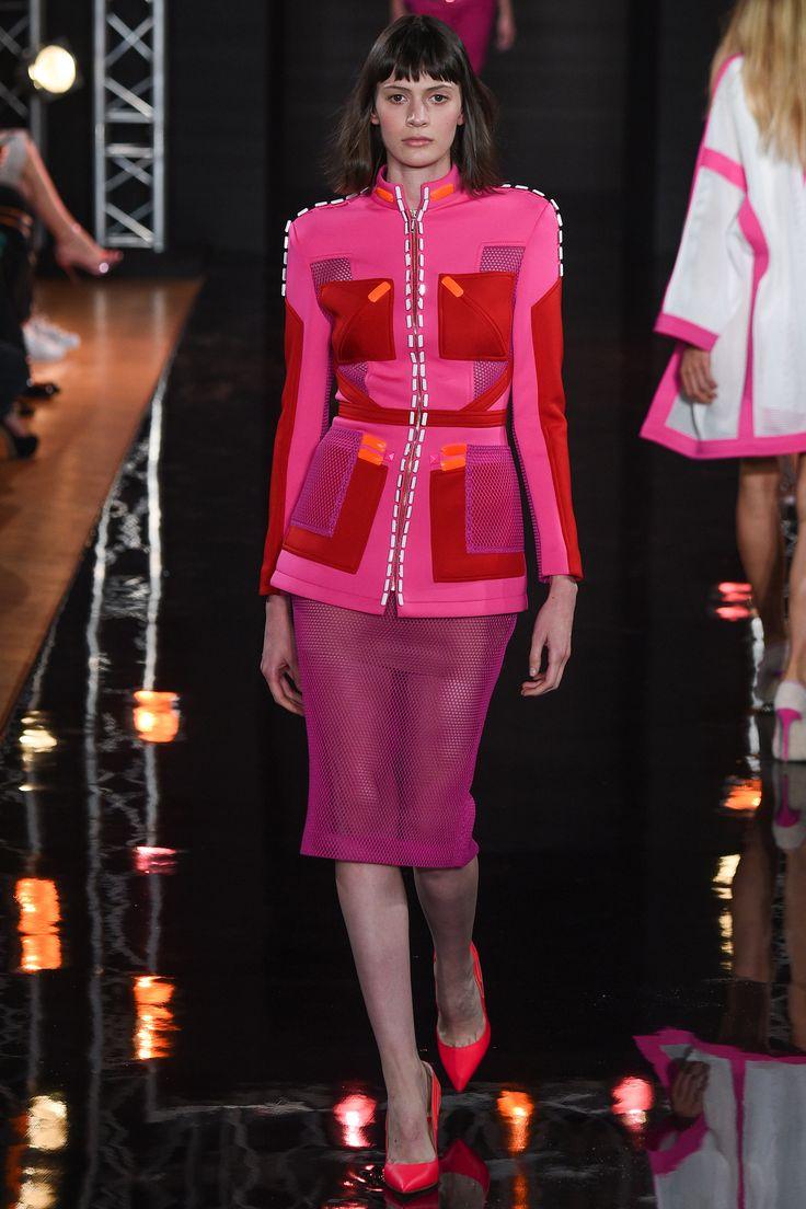Valentin Yudashkin Spring 2016 Ready-to-Wear Fashion Show