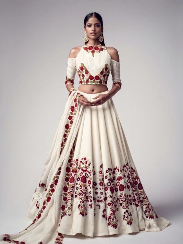 Manish Malhotra. Killing it with the simple elegance.