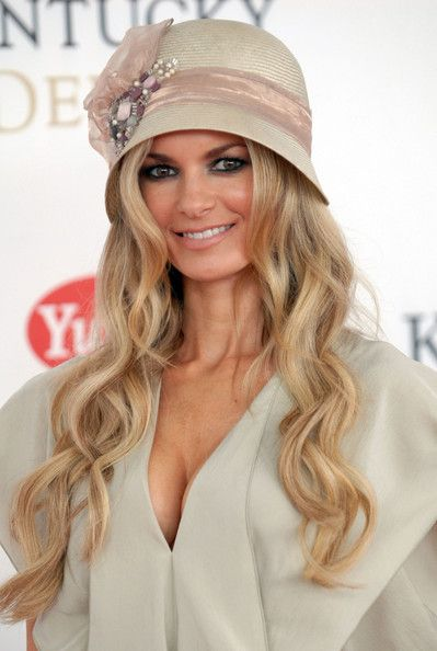 love Marisa Miller AND the hat