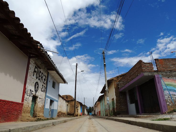 busy streets of San Jeronimo | where there's color there's life #travel #huancayo #peru