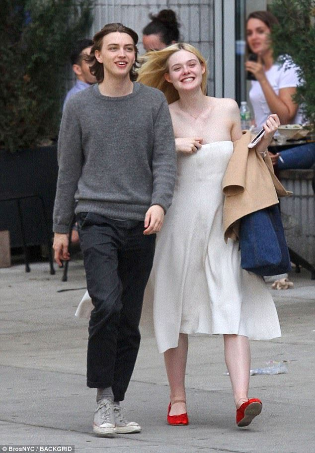 Elle Fanning looks delightful in white strapless number | Daily Mail Online