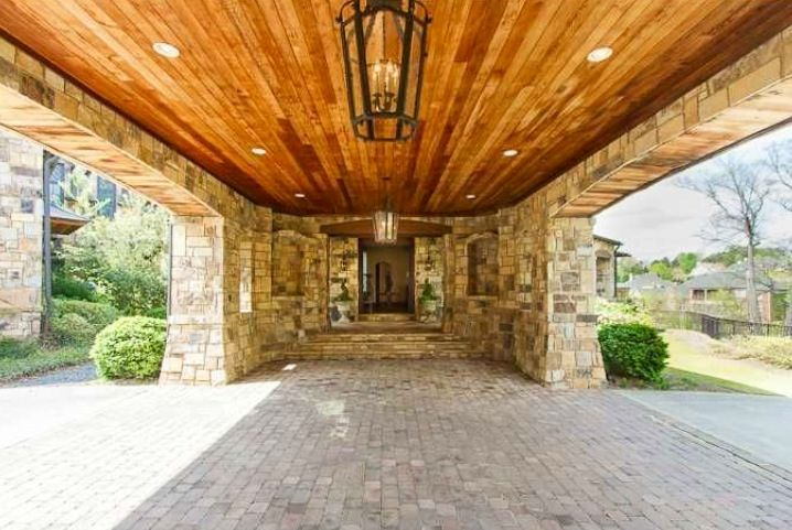 Porte cochere/wood