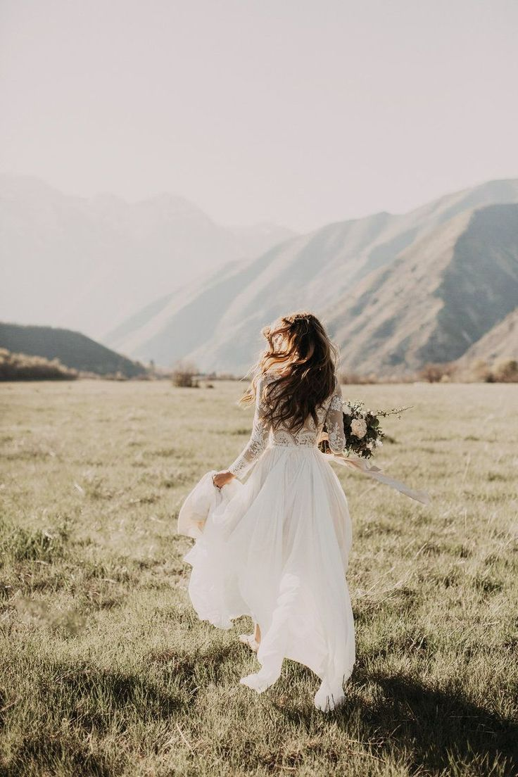 Best 25+ Best Wedding Styles Kristin Lauria https://www.fashiotopia.com/2017/09/28/25-best-wedding-styles-kristin-lauria/ Her sister has appeared within her videos. She's incredibly down-to-earth and simple to listen to so you'll definitely delight in watching her videos. So he should have dated with a lot of girls but his dating history is similar to empty
