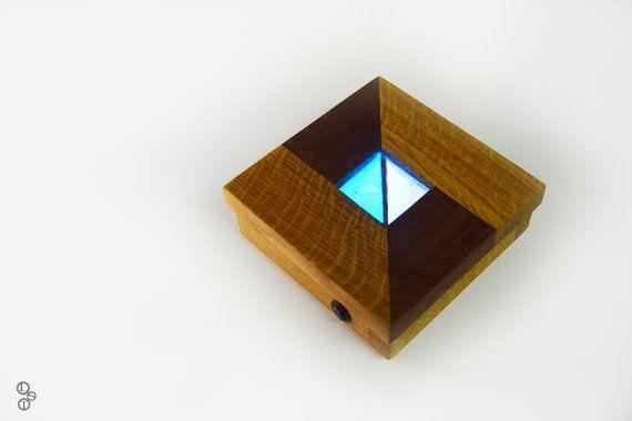 Wood lamp. Lampada led/Applique in legno Rovere e di LabSenzaTempo