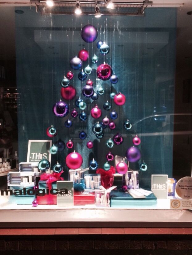 37 best images about salon displays on pinterest skin for Salon xmas decorations