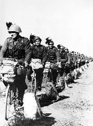 A column of Italian Bersaglieri cyclists on the move on the Eastern Front.