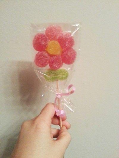 Fiori di caramelle fai da te per nozze