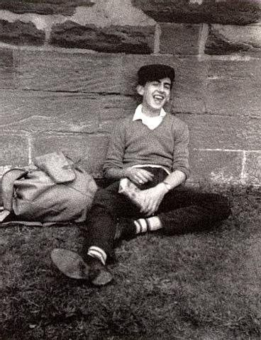 A smiling young George Harrison; isn't he an absolute doll? *sighs dreamily*