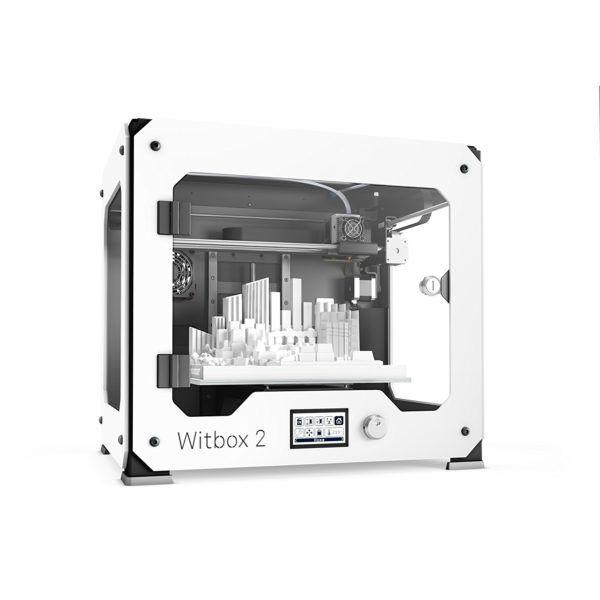 Nachdem wir den BQ Witbox 2 3D-Drucker im Test hatten, zeigt sich ein solides Gerät auf dem 3D-Druck Markt. Man sollte das Gerät jedoch mit Vorsicht genießen, da manche Nutzer Defekte 3D-Drucker erhielten. Daher lohnt sich ein Vergleich mit Alternativen 3D-Druckern im selben Preis und Marktsegment. Dennoch bietet der Witbox 2 eine gute Druckqualität und viel Bauraum für einen angemessenen Preis.