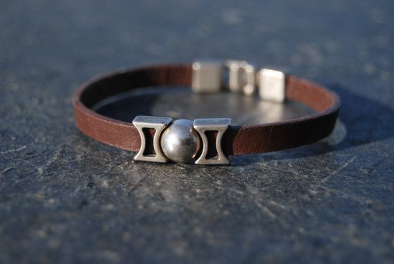 Brown leather male bracelet with silver by NorthernlightsNO