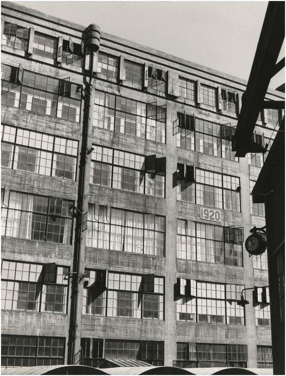 Serie van 5 foto's betreffende het fabriekscomplex van Philips NV Auteur: Philips Company Archives - 1940