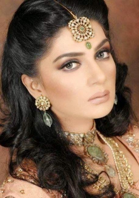 Pakistani Actress Iffat Rahim Photoshoot 2014-2015 | Pakistani Model Iffat Rahim Biography & Pictures