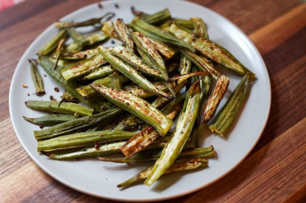 Oven Roasted Okra -- an easy, crispy and delicious side dish