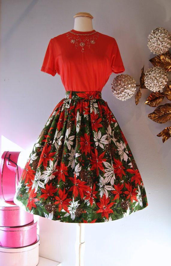 1950s poinsettia novelty print holiday Christmas skirt