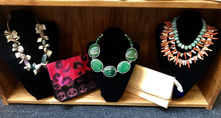 🛍Circe-Creations is exhibiting at NICOLWAY BRYANSTON, in between Poetry & Nicci until Monday 6th November. Trading Hours: Wednesday to Saturday 9am-4pm. Sunday & Monday 9am-3pm. 🛍