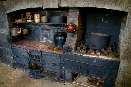 Irish kitchen. #ovens #kitchens #stoves #cookers: Dreams Kitchens, Primitive Kitchens, Cozy Kitchen, Future House, Rustic Kitchens, Outdoor Kitchens, Old Kitchens, Wood Stove, Kitchens Stove
