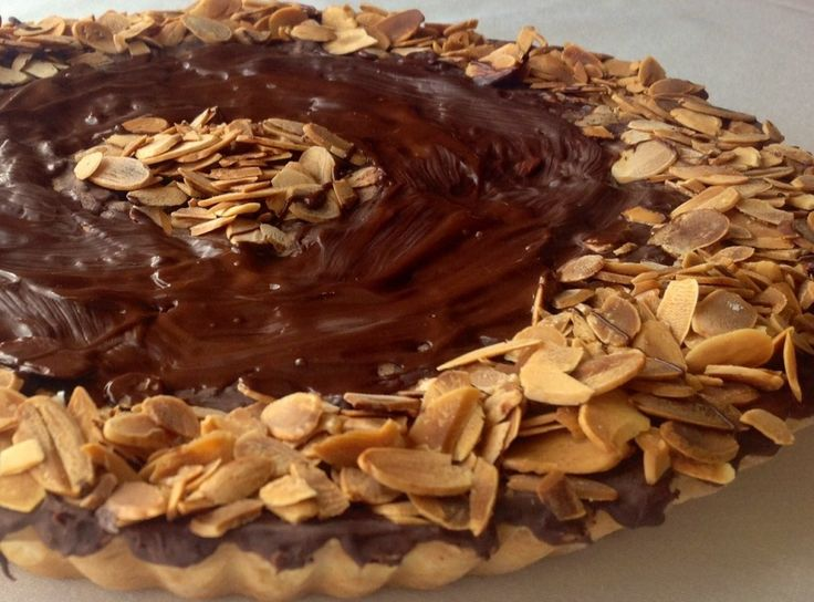 Traditionally baked for special celebrations on the island, the almond and chocolate tart (locally known as it-torta tal-marmurat) combines chocolate, almonds