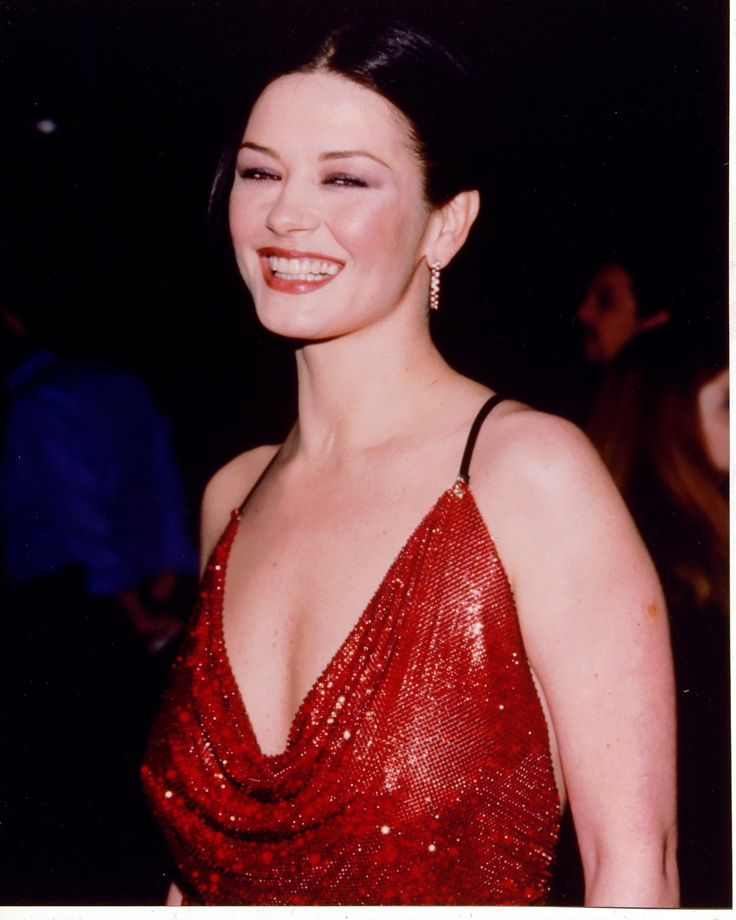 Catherine Zeta Jones - Oh, to look like her for just one day!!!