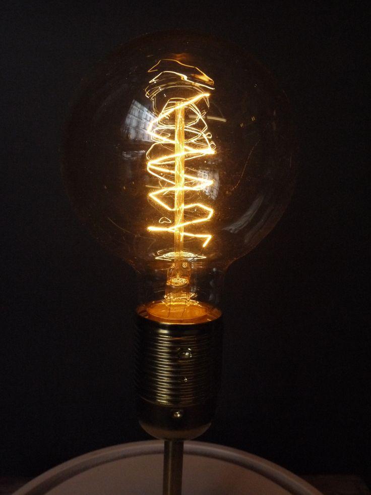 14 best ampoules filaments vintage images on pinterest lightbulbs edison bulbs and belle. Black Bedroom Furniture Sets. Home Design Ideas