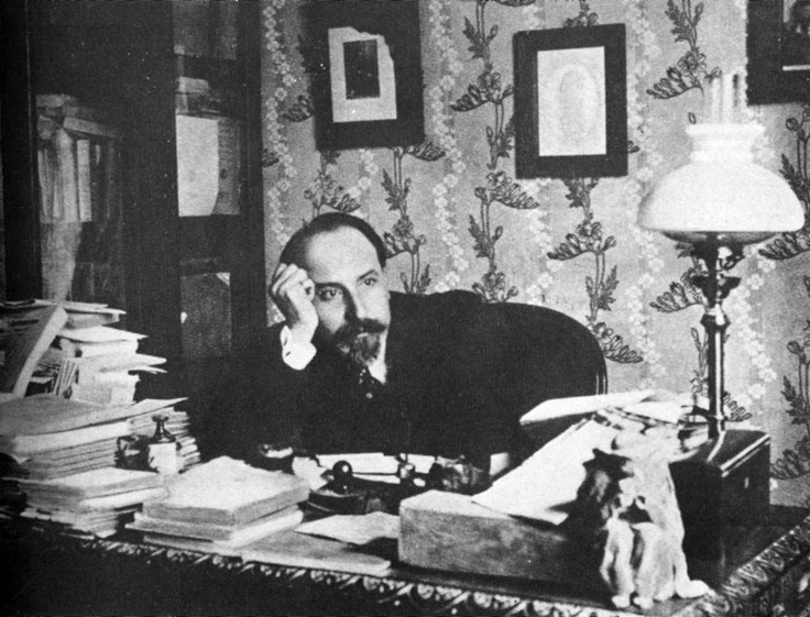 Pirandello in 1904, the year of publication of Il Fu Mattia Pascal.