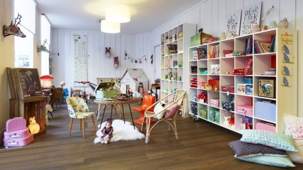 Describe your pin: Kids Bedrooms, Plays Rooms, Boutiques Stores Display, Red Poppies, Kids Boutiques, Dream Playrooms, Cafe Boutiques, Boutiques Idea, Kids Rooms