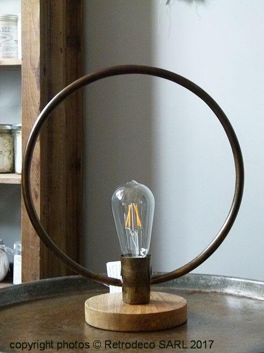Les 25 meilleures id es de la cat gorie culot ampoule sur pinterest ampoule e27 la maison d - Lampe cercle led ...