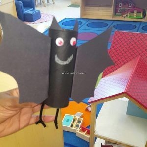 bat-crafts-for-preschool-with-toilet-paper