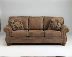 NEW ASHLEY LARKINHURST TRADITIONAL STYLE CLASSIC SOFA COUCH AND LOVESEAT SET