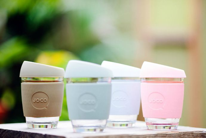We are thrilled to find a super cool alternative to plastic with the beautiful reusable glass coffee cups by JOCO cups. Check out what makes them so great.