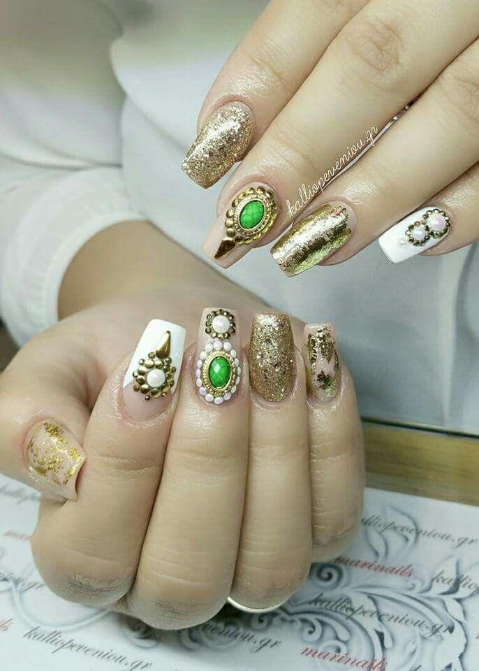 #nails #nailart #nailartist #nailexpert #beunique #kalliopeveniou