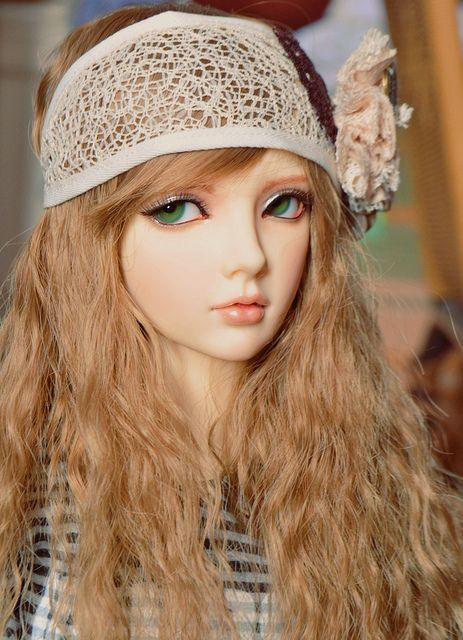 Limhwa half elf by GoodbyeYouHelloMe, via Flickr