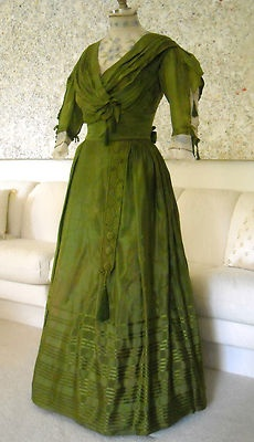 Gorgeous ebay dress with loads of details. 1909?: Antique Victorian, 1900S, Green Color, Vintage Fashion, Green Dress, Victorian Fashion, Victorian Clothing, Vintage Clothes, Vintage Clothing